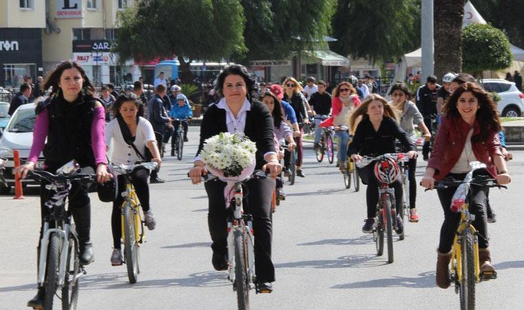 antakya süslü kadınlar bisiklet turu