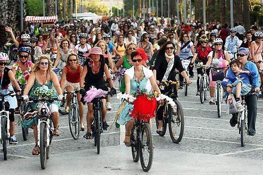 süslü kadınlar bisiklet turu-2013 izmir