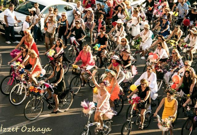 suslu kadinlar bisiklet turu