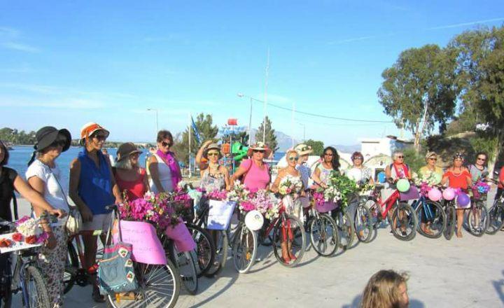 Datça süslü kadinlar bisiklet turu