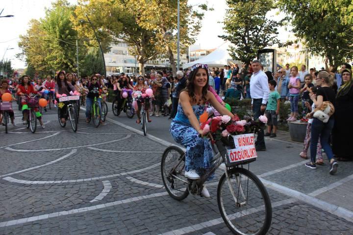 luleburgaz suslu kadinlar bisiklet turu