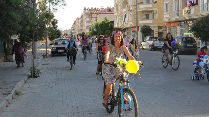 dalaman suslu kadinlar bisiklet turu